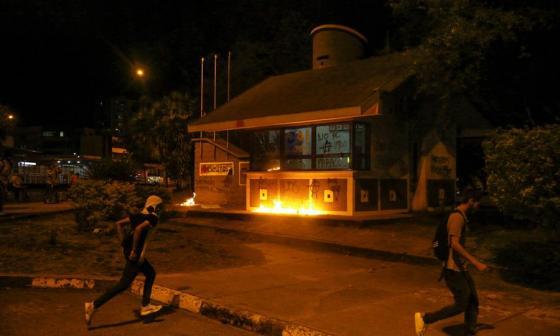 Ascienden a 10 los muertos tras protestas en Bogotá