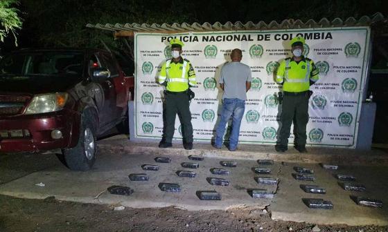 Decomisan 24 kilos de coca en la vía Riohacha a Maicao