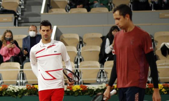 Novak Djokovic y Daniel Galán.