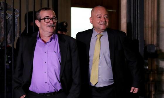 Duque pide que Carlos Lozada salga del Senado