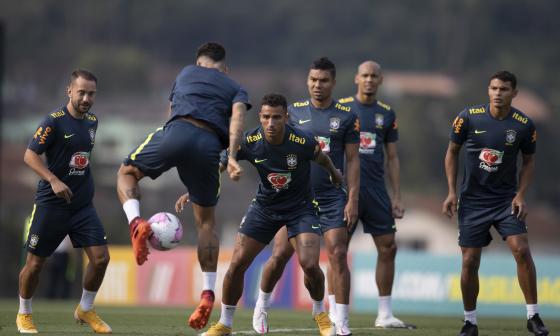 Neymar, en duda para el debut de Brasil en eliminatorias ante Bolivia