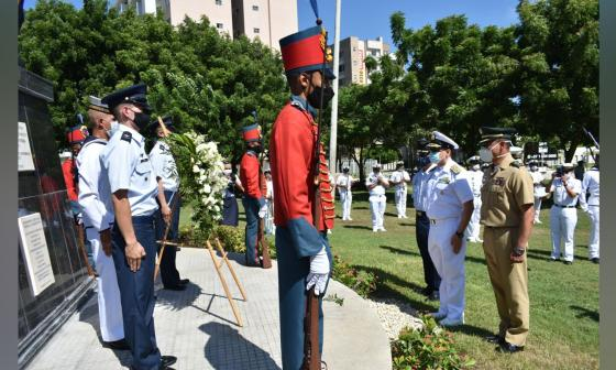 Aspecto de la ceremonia realizada en el Monumento de los Héroes de la Patria.