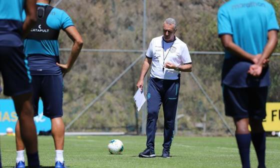 Jorge Alfaro, entrenador de la selección de Ecuador.