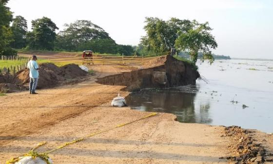 Río rompió la vía en el kilómetro 2.1 entre Salamina y El Piñón