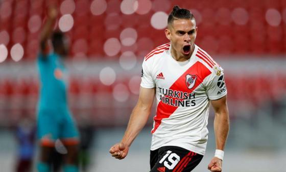El barranquillero Rafael Santos Borré gritando el gol que le marcó a la Liga de Quito.