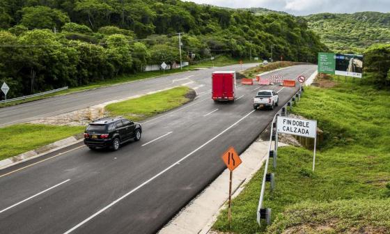 Aspecto general de la doble calzada entre Barranquilla y Cartagena.
