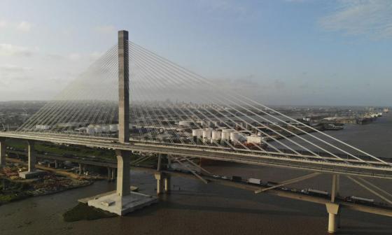 Sacyr dice que retira demanda sobre puente Pumarejo por falta de garantías