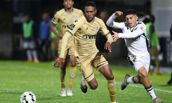 Cristian Castro en acción en el duelo del pasado fin de semana ante el Famalicao.
