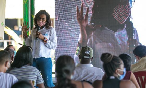 Buscamos cerrar brechas y que las mujeres sean agentes de cambio: Minciencias
