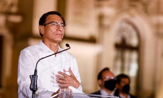 En video | Vizcarra acepta destitución y deja el Palacio de Gobierno de Perú