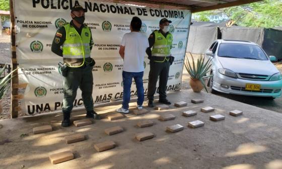 Un hombre llevaba más de 20 kilos de 'coca' para Maicao en un automóvil