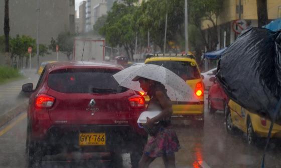 Crece alerta en el Caribe por paso de onda tropical
