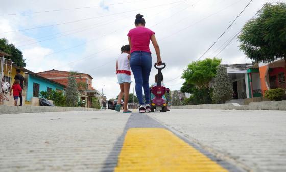 Entregan pavimentación, parques y canalización de arroyo en La Sierrita