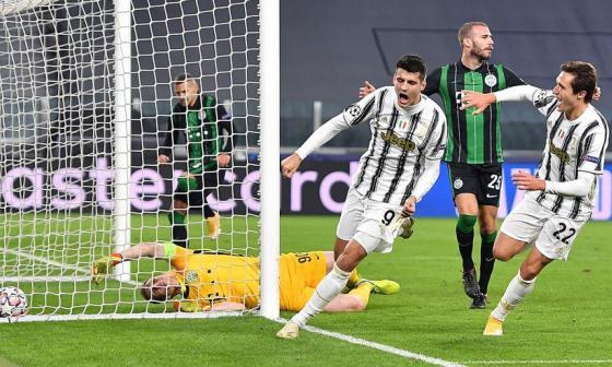 Con dos asistencias de Cuadrado, Juventus derrota 2-1 al Ferencvaros