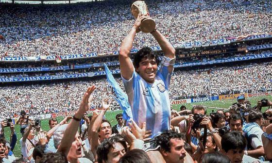 El 29 de junio de 1986 se consagra campeón del mundo. Tras una dura final ante Alemania Federal, Argentina se impone por 3-2 y logra su segundo título Mundial.