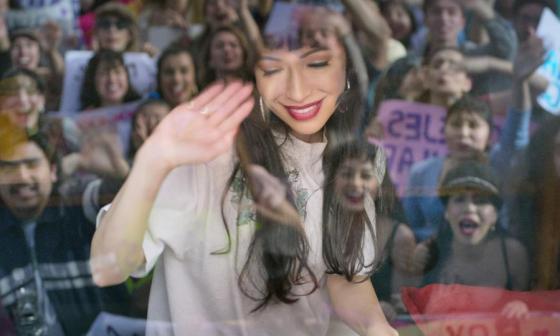 """""""Ella rompió barreras"""": Christian Serratos sobre dar vida a Selena"""
