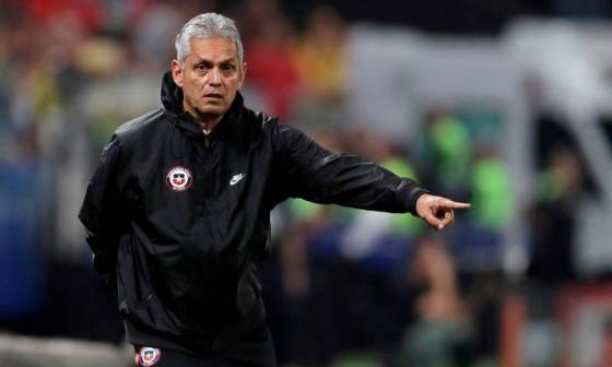 Reinaldo Rueda tendría aval para salir de Chile y dirigir a Colombia