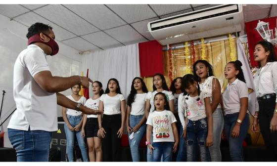 En sus últimos ensayos han cantado temas navideños como 'El niño del tambor' y 'Noche de paz'.