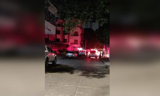 Las llamas consumieron artillero de la Policía en El Rodadero