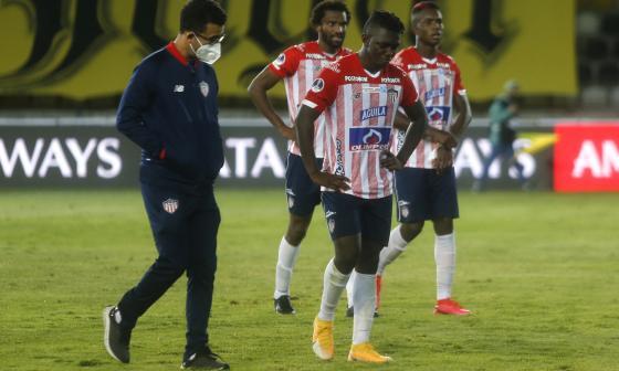 Edwuin Cetré salió cabizbajo tras la eliminación contra Coquimbo Unido.