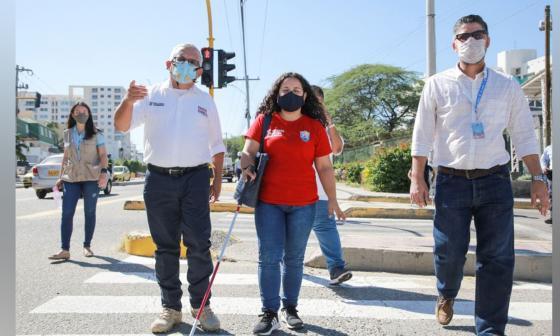 Santa Marta implementa semáforos con sistema sonoro para invidentes