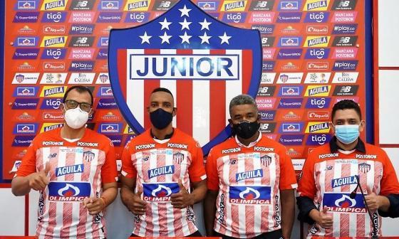 Junior oficializa tres nuevos integrantes del cuerpo técnico