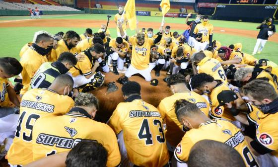 'Pipe' Urueta tiene rival: Gigantes y Águilas chocan en la final dominicana