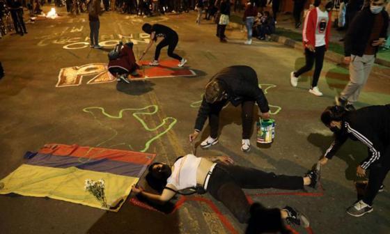 Un grupo  de jóvenes durante una manifestación en rechazo al homicidio
