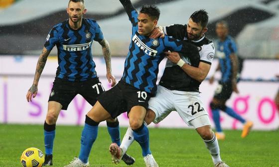 El Inter no aprovecha derrota del Milan y se mantiene segundo