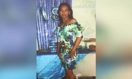 """""""Mi hija está intubada y en UCI"""": mamá de cajera herida en balacera"""
