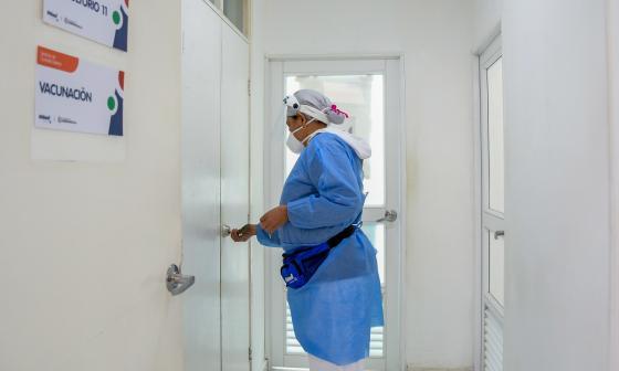 Personal de ucis, hospitalización y urgencias, primeros a vacunar