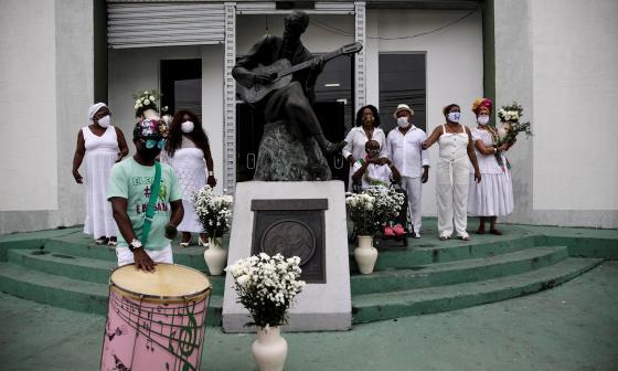 Un acto simbólico y de protesta abre el cancelado Carnaval de Río de Janeiro