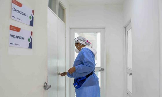 Adelita de Char y Hospital de Barranquilla, los de más vacunas