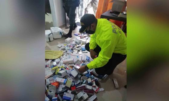 Incautan 100 mil unidades de medicamentos falsos en Barranquilla