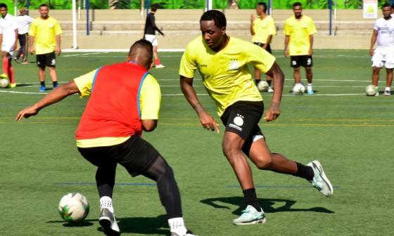 Carlos Carbonero va al fútbol de República Dominicana