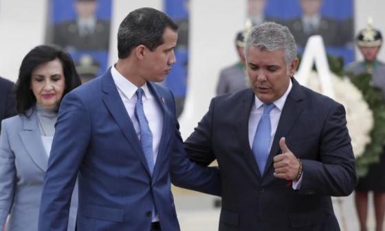 Guaidó agradece a Duque la firma del estatuto de protección de migrantes