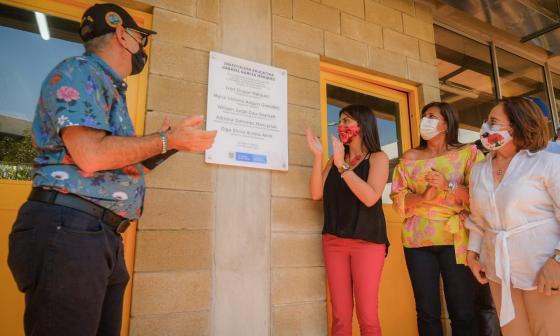 La ministra María Victoria Angulo y el alcalde William Dau, entre otros, en la inauguración de obras para el sector educativo en Cartagena.