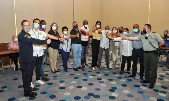 Comunidades de Bocala y de Tierrabomba con autoridades reunidas este viernes.
