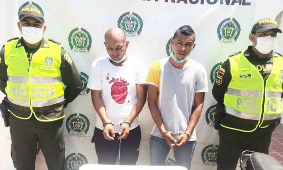 Carlos Andrés Del Chiaro, y Roberto Carlos Romero, capturados con armas de fuego en el municipio de Bosconia (Cesar), provenientes de la ciudad de Barranquilla.