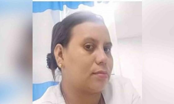 Enfermera que convulsionó tras vacuna será dada de alta en Montería