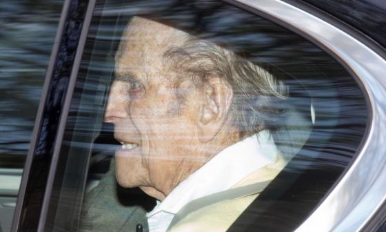 El duque de Edimburgo sale del hospital tras 28 días ingresado