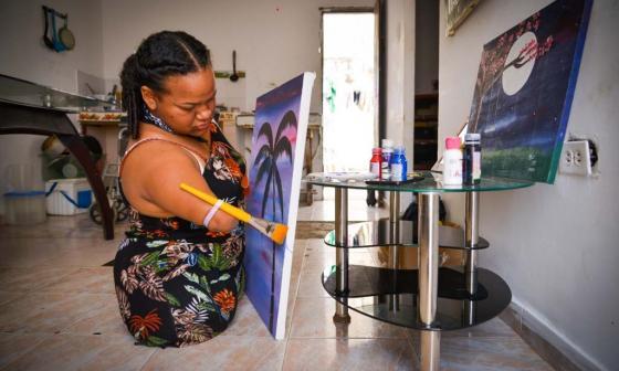 María Meriño: el arte de pintar sin extremidades