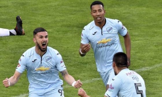 Bolívar tendría tres bajas para el partido contra Junior en La Paz