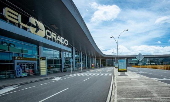 Murió hombre que le quitó arma a un policía en el aeropuerto El Dorado