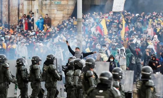 Fiscalía y Defensoría reportan 90 desaparecidos en protestas