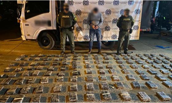 Decomisan cargamento de cocaína oculta en un camión en Sahagún, Córdoba