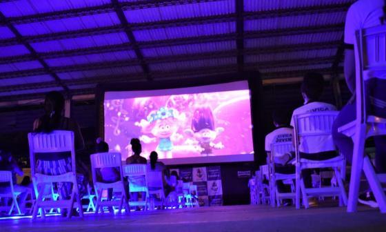 El cine llega a las comunidades más vulnerables de Sucre