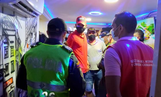 Intervienen 15 covid fiestas y cierran 4 negocios en Cartagena