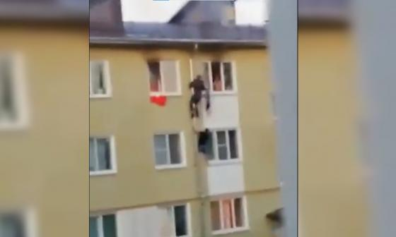 Tres niños fueron rescatados por sus vecinos de un apartamento en llamas