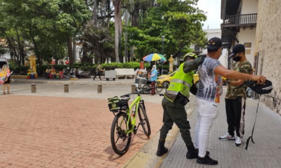 Cartagena levanta pico y cédula, pero siguen toque de queda y ley seca